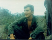 gi sitting in jungle, vietnam war